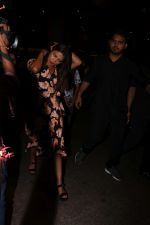 Priyanka Chopra Spotted At Airport on 22nd July 2017 (6)_59730d23e5fd5.JPG