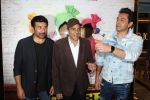 Dharmendra, Sunny Deol, Bobby Deol at the Trailer Launch Of Film Poster Boys on 24th July 2017 (12)_597606ef8af52.JPG