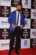 Ajaz Khan At Red Carpet Of Big Zee Entertainment Awards 2017 on 29th July 2017 (7)_597d8fc1b74a3.JPG