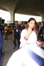 Ileana D_Cruz with Mubarakan team spotted at airport on 29th July 2017 (39)_597d5a08258fc.JPG