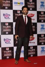 Tusshar Kapoor At Red Carpet Of Big Zee Entertainment Awards 2017 on 29th July 2017 (6)_597d93493a359.JPG