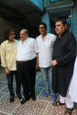 Raza Murad, Mukesh Rishi at The Chautha Ceremony Of Inder Kumar on 30th July 2017 (50)_597f5d05072a5.JPG