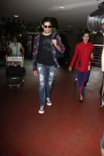 Sidharth Malhotra Spotted At Airport on 31st July 2017 (1)_597eee7cd6927.JPG