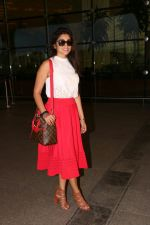 Shriya Saran Spotted At Airport on 1st Aug 2017 (2)_59800558a54d1.JPG
