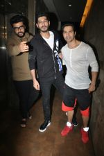 Varun Dhawan, Mohit Marwah, Arjun Kapoor at the Special Screening Of Film Raag Desh on 1st Aug 2017 (9)_59817ad96d383.JPG