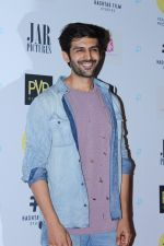Kartik Aaryan at Gurgaon Film Premiere Hosted By MAMI Film Club on 1st Aug 2017 (76)_59817749abdde.JPG