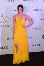 Rhea Chakraborty at The Red Carpet Of Vogue Beauty Awards 2017 on 2nd Aug 2017 (116)_5982a7563dfa2.JPG