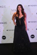 Tanisha Mukherjee at The Red Carpet Of Vogue Beauty Awards 2017 on 2nd Aug 2017 (48)_5982a87d7662d.JPG
