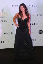 Tanisha Mukherjee at The Red Carpet Of Vogue Beauty Awards 2017 on 2nd Aug 2017 (49)_5982a87f083aa.JPG