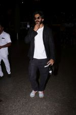 Harshvardhan Kapoor Spotted At Airport on 9th Aug 2017 (26)_598accf6a25f7.JPG