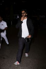 Harshvardhan Kapoor Spotted At Airport on 9th Aug 2017 (27)_598accf74ed86.JPG
