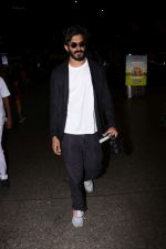 Harshvardhan Kapoor Spotted At Airport on 9th Aug 2017 (30)_598accf967381.JPG
