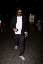 Harshvardhan Kapoor Spotted At Airport on 9th Aug 2017 (32)_598accfac58dd.JPG