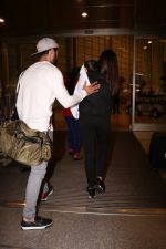 Shahid Kapoor, Mira Rajput Spotted At Airport on 10th Aug 2017 (1)_598c177fa8be2.JPG