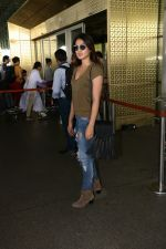 Rhea Chakraborty Spotted At Airport on 12th Aug 2017 (10)_598f3d6f81fa9.JPG