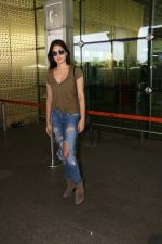 Rhea Chakraborty Spotted At Airport on 12th Aug 2017 (4)_598f3d651b2f3.JPG