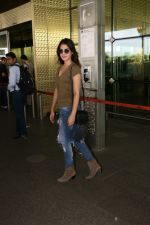 Rhea Chakraborty Spotted At Airport on 12th Aug 2017 (6)_598f3d685ee29.JPG