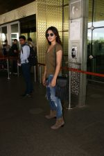 Rhea Chakraborty Spotted At Airport on 12th Aug 2017 (7)_598f3d6a47668.JPG