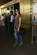 Rhea Chakraborty Spotted At Airport on 12th Aug 2017 (9)_598f3d6da1ee6.JPG