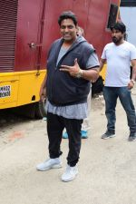 Ganesh Acharya at Sunny Leone_s Item Song Shoot On Location For Film Bhoomi on 12th Aug 2017  (11)_599170cb25843.JPG