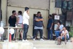 Ganesh Acharya at Sunny Leone_s Item Song Shoot On Location For Film Bhoomi on 12th Aug 2017  (9)_599170c997bcf.JPG