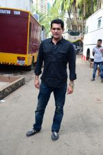 Omung Kumar at Sunny Leone_s Item Song Shoot On Location For Film Bhoomi on 12th Aug 2017  (3)_599170d3ea815.JPG
