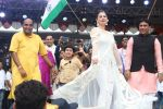 Kainaat Arora at the Song Launch Of Film Daddy In Dahi Handi Celebration on 15th Aug 2017 (71)_5993e65ccc924.JPG