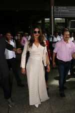 Priyanka Chopra Spotted At Airport on 17th Aug 2017 (10)_5995ab50077f7.JPG