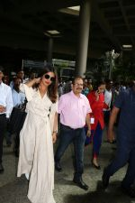 Priyanka Chopra Spotted At Airport on 17th Aug 2017 (12)_5995ab5256b6e.JPG