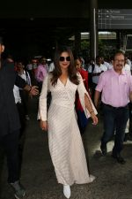 Priyanka Chopra Spotted At Airport on 17th Aug 2017 (9)_5995ab4edac01.JPG