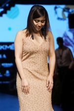 Shweta Tripathi At LFW Wintwer 2017 on 16th Aug 2017 (3)_599565641ee51.JPG