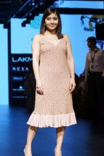 Shweta Tripathi At LFW Wintwer 2017 on 16th Aug 2017 (6)_5995656623173.JPG