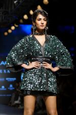 Sonal Chauhan Walks On Ramp For Sonal Verma At LFW Winter 2017 on 16th Aug 2017 (11)_599565b504df7.JPG