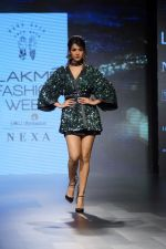 Sonal Chauhan Walks On Ramp For Sonal Verma At LFW Winter 2017 on 16th Aug 2017 (6)_59956581dd226.JPG