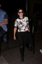 Sunny Leone Spotted At Airport on 16th Aug 2017 (2)_5995a05f633bd.JPG