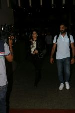 Sunny Leone At International Airport on 17th Aug 2017 (1)_599691683afe7.JPG