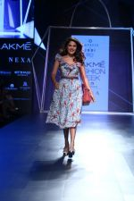 Rhea Chakraborty On Ramp Walk For Jodi And Caprese At LFW 2017 on 18th Aug 2017 (46)_59985ba234d1d.JPG