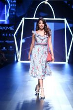 Rhea Chakraborty On Ramp Walk For Jodi And Caprese At LFW 2017 on 18th Aug 2017 (47)_59985ba2c124d.JPG