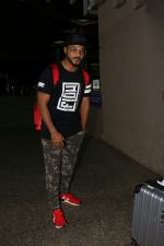 Raftaar Spotted At Airport on 19th Aug 2017 (10)_599924cf4e86b.JPG