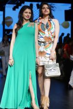 Bhagyashree As Guest At LFW Winter Festive 2017 on 20th Aug 2017-1 (12)_599a83213839d.JPG