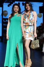Bhagyashree As Guest At LFW Winter Festive 2017 on 20th Aug 2017-1 (15)_599a8322e6b01.JPG