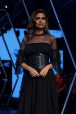 Esha Gupta as Guest For Manish Malhotra At LFW Winter Festive 2017 on 20th Aug 2017