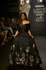 Ileana D_Cruz Walks Ramp For De Belle At LFW Winter Festive 2017 on 20th Aug 2017 (19)_599a8355925a9.JPG