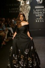 Ileana D_Cruz Walks Ramp For De Belle At LFW Winter Festive 2017 on 20th Aug 2017 (21)_599a835727eb6.JPG