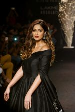 Ileana D_Cruz Walks Ramp For De Belle At LFW Winter Festive 2017 on 20th Aug 2017 (24)_599a83594c9a6.JPG