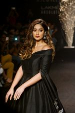 Ileana D_Cruz Walks Ramp For De Belle At LFW Winter Festive 2017 on 20th Aug 2017 (25)_599a8359e1858.JPG