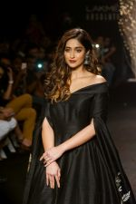 Ileana D_Cruz Walks Ramp For De Belle At LFW Winter Festive 2017 on 20th Aug 2017 (30)_599a835cdd08c.JPG