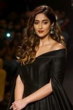 Ileana D_Cruz Walks Ramp For De Belle At LFW Winter Festive 2017 on 20th Aug 2017 (32)_599a84cf651a8.JPG