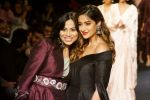 Ileana D_Cruz Walks Ramp For De Belle At LFW Winter Festive 2017 on 20th Aug 2017 (56)_599a836ce209c.JPG