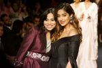 Ileana D_Cruz Walks Ramp For De Belle At LFW Winter Festive 2017 on 20th Aug 2017 (58)_599a836e35b48.JPG